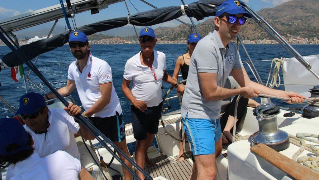 team building sicily italy - sailing regatta team building